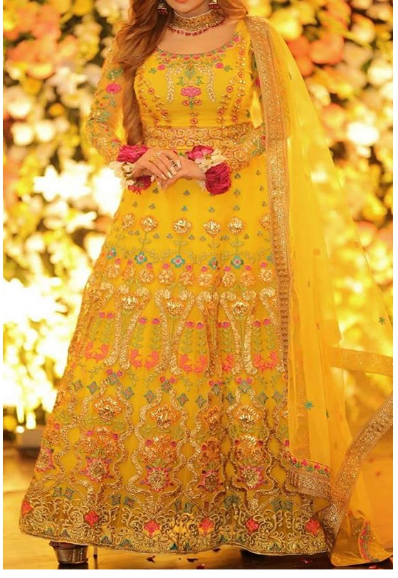 Best Pakistani \u0026 Indian Latest Mehndi Dresses Design Ideas