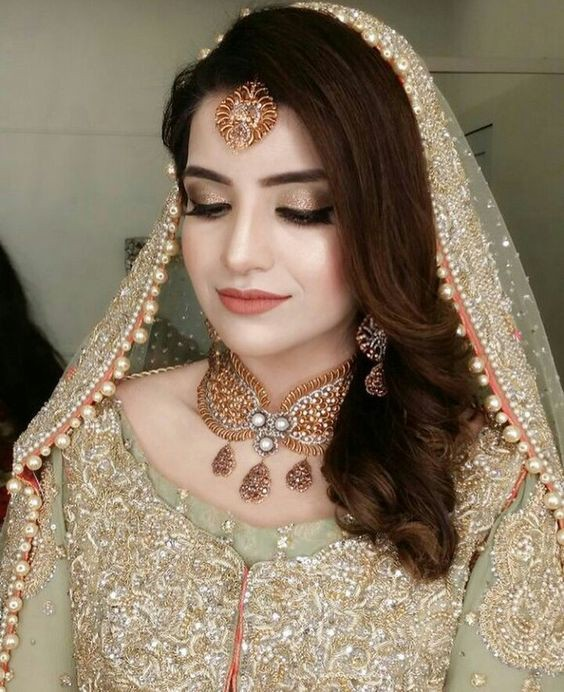 Eye makeup for Pakistani Dulhan