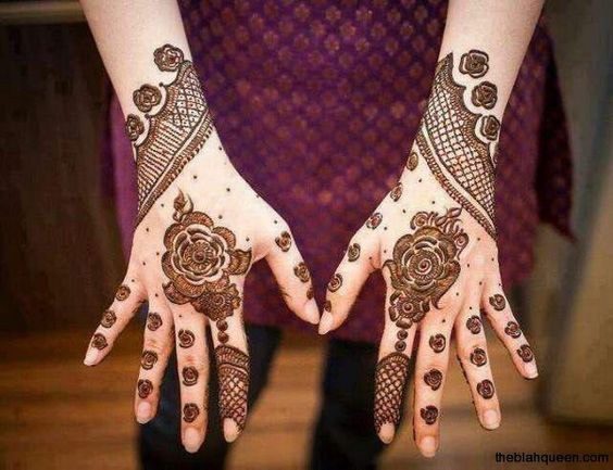 Roses and fishnet Arabic Mehndi Design