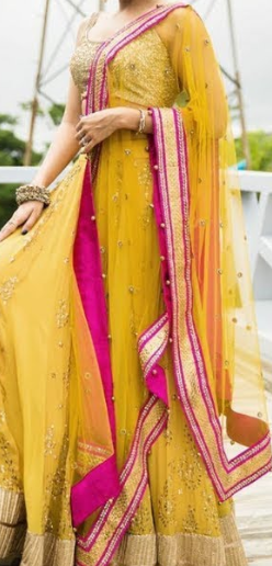 Lightweight Chunri Dupatta Design Idea