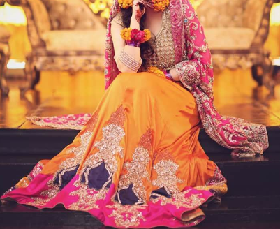 Traditional Yellow Chunri Design For Mehndi Bridal Dress
